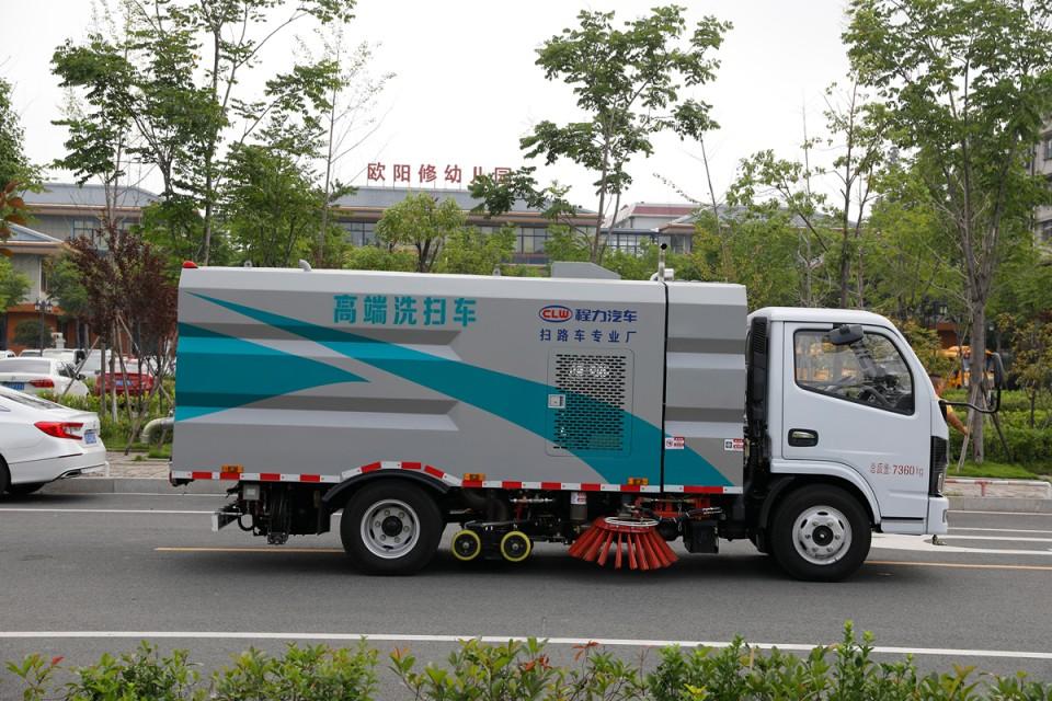 东风D6洗扫车CLW5070TXS6HL